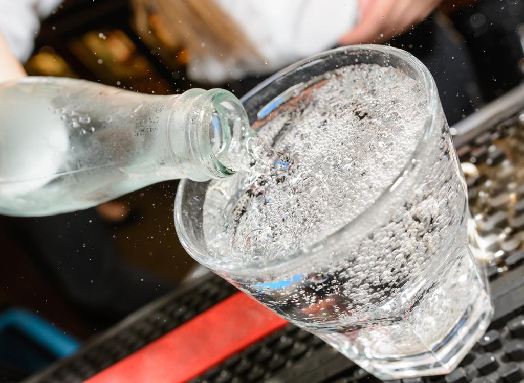 Club soda sparkling water