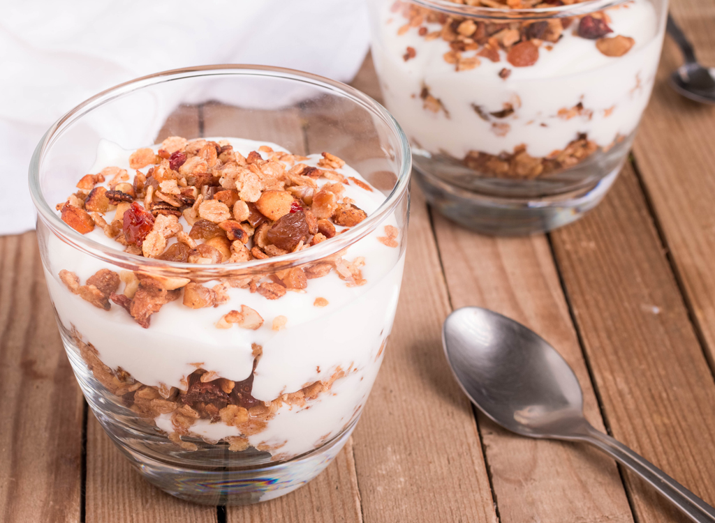 Coconut yogurt with granola