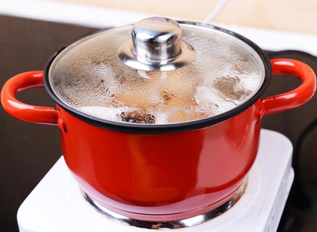 hard boiled eggs pot