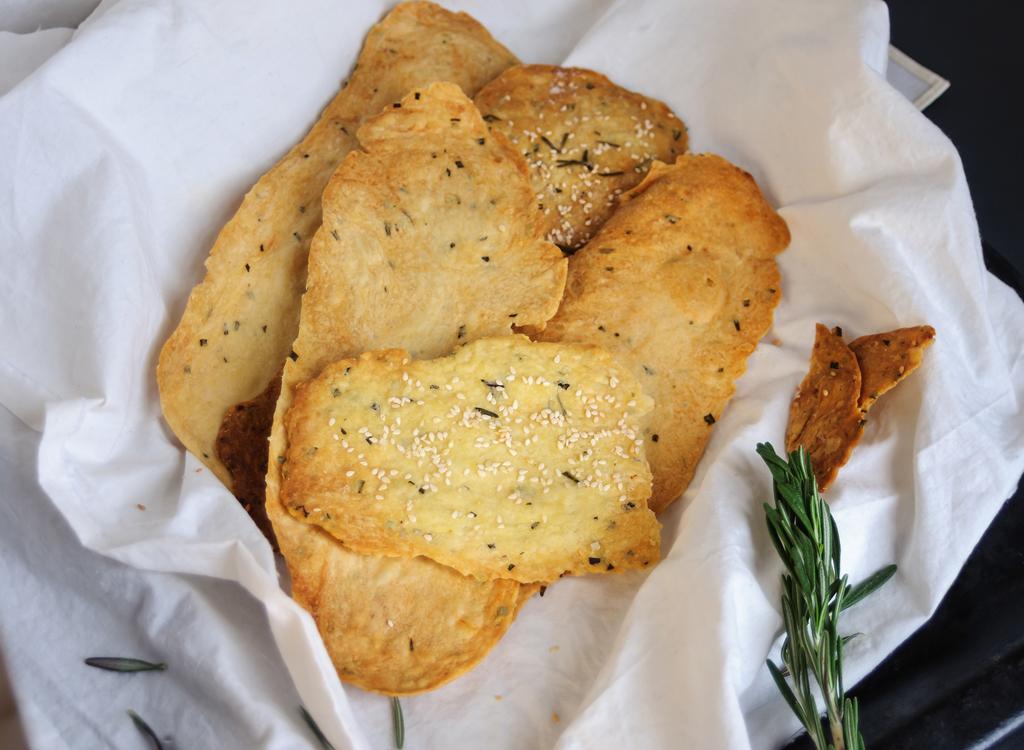 Rosemary pizza dough crackers