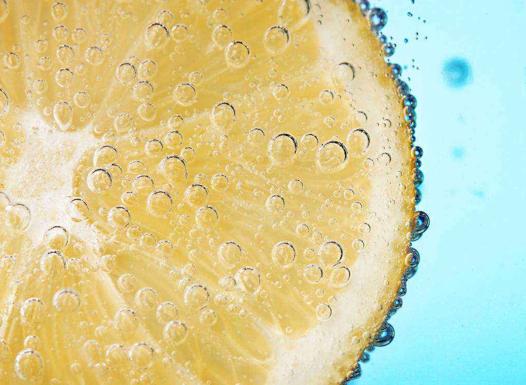 Sparkling water lemon