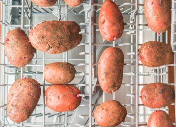 Washing potatoes in the dishwasher