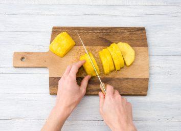 Cut pineapple into chunks