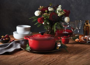 Le creuset holiday Dutch oven