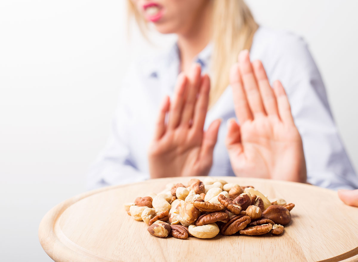 woman allergic to nuts