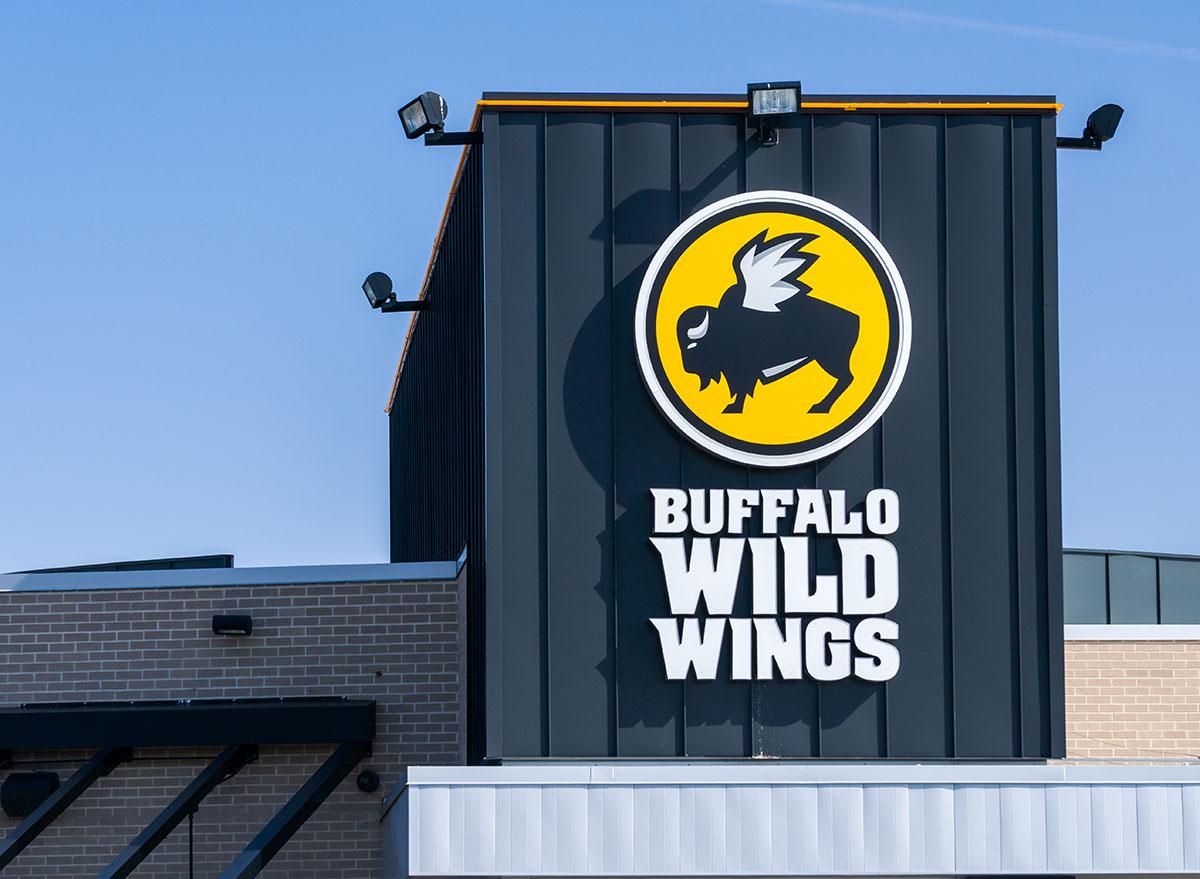 Buffalo wild wings restaurant sign