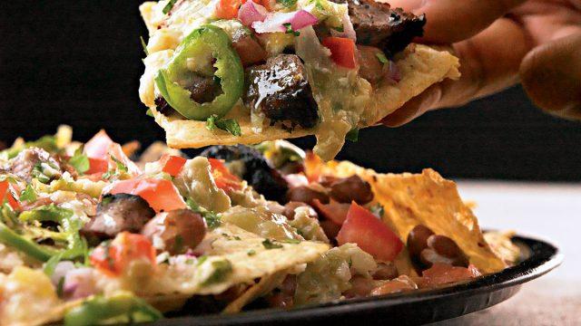 Steak nachos
