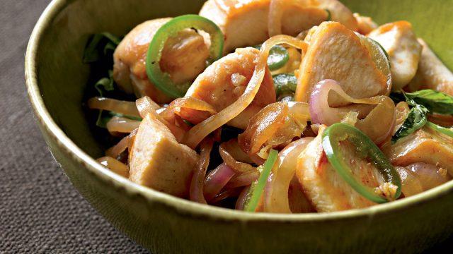 Paleo spicy thai chicken with basil