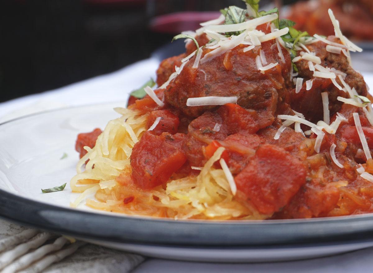 Spaghetti squash marinara meatballs