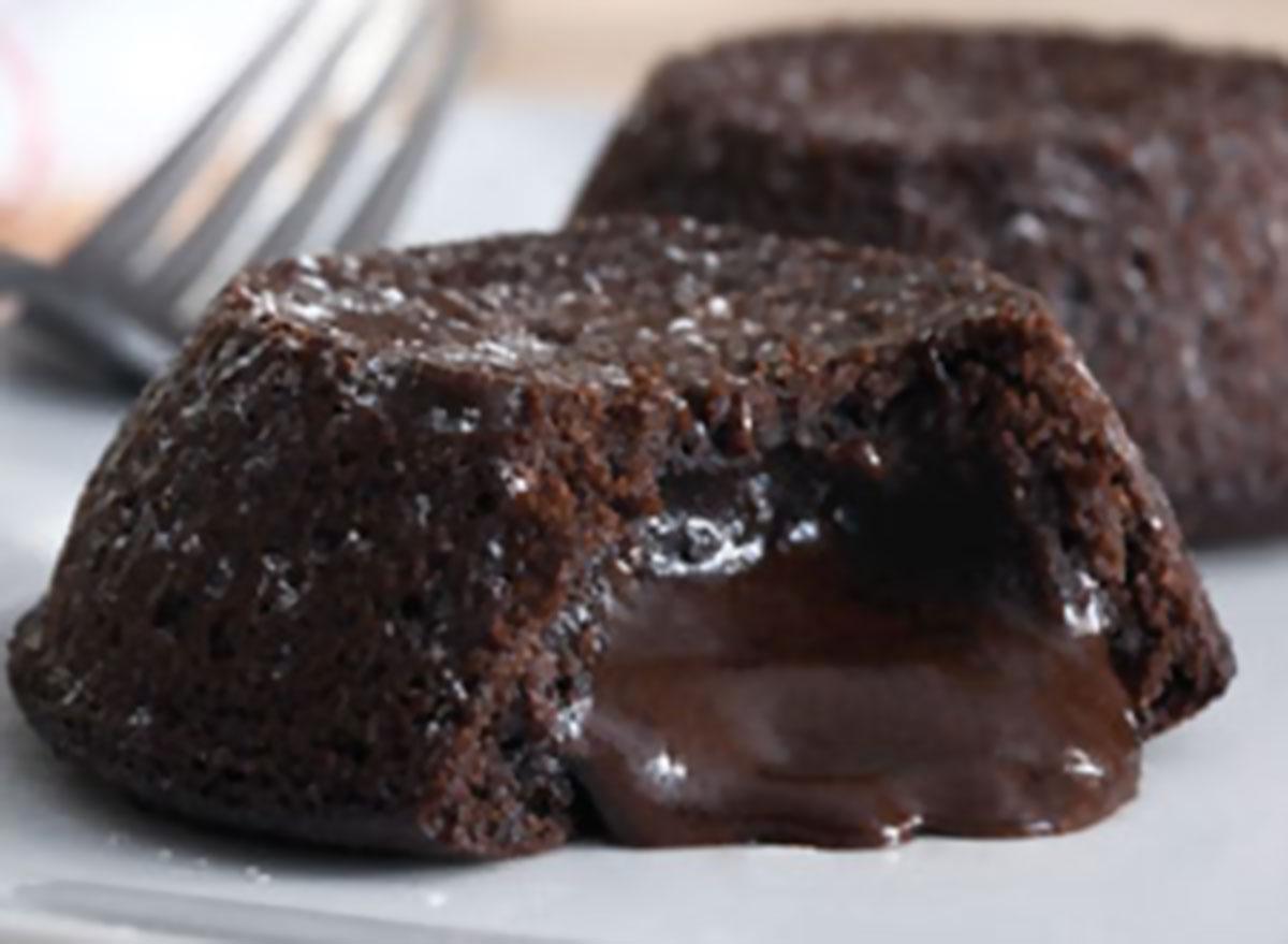 Molten lava crunch cake