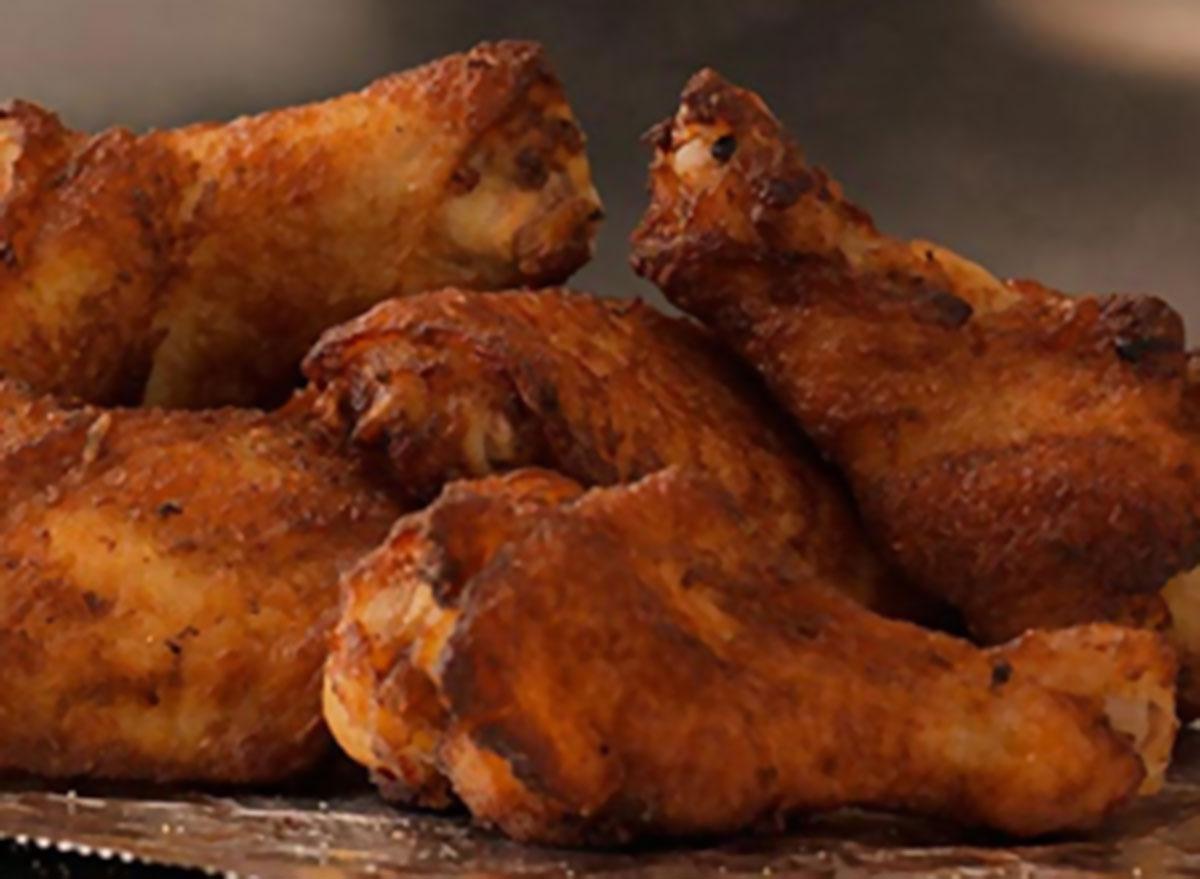 Plain wings
