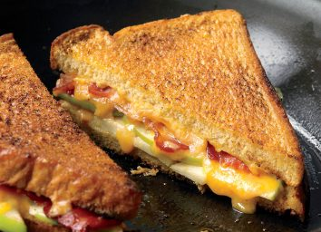 Healthy grilled cheese with apples and bacon