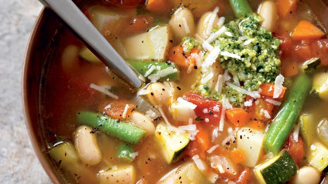 Healthy minestrone with pesto