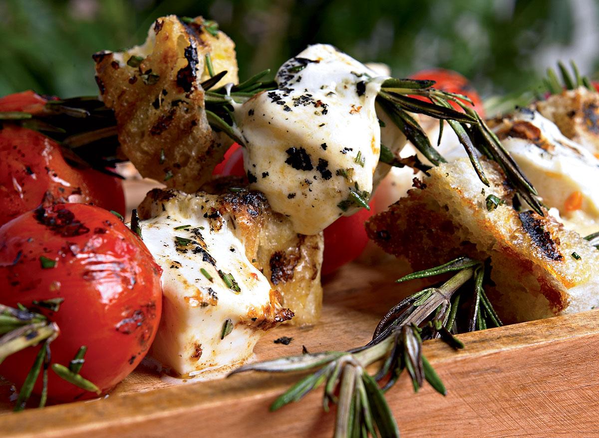 Healthy mozzarella spiedini