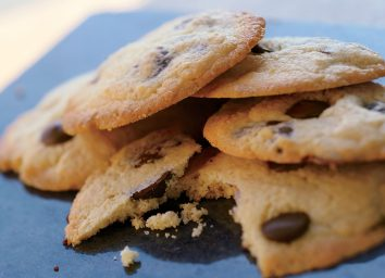 Low-calorie chocolate chip cookies