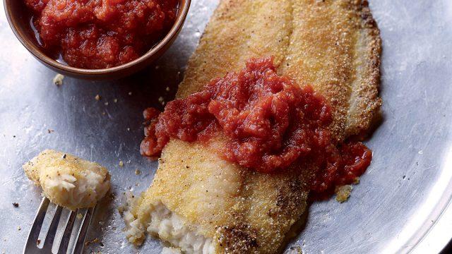 Low-calorie cornmeal tomato gravy catfish