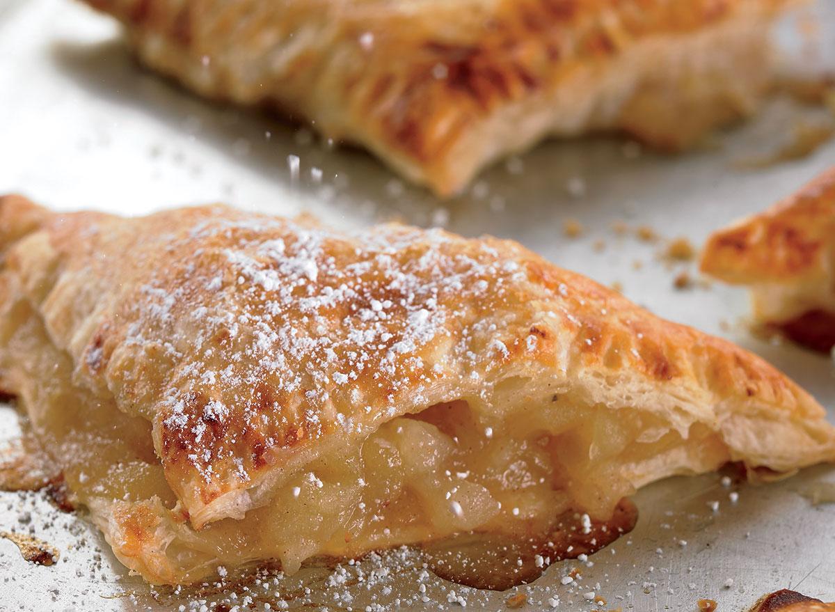 Low-calorie crispy apple turnover
