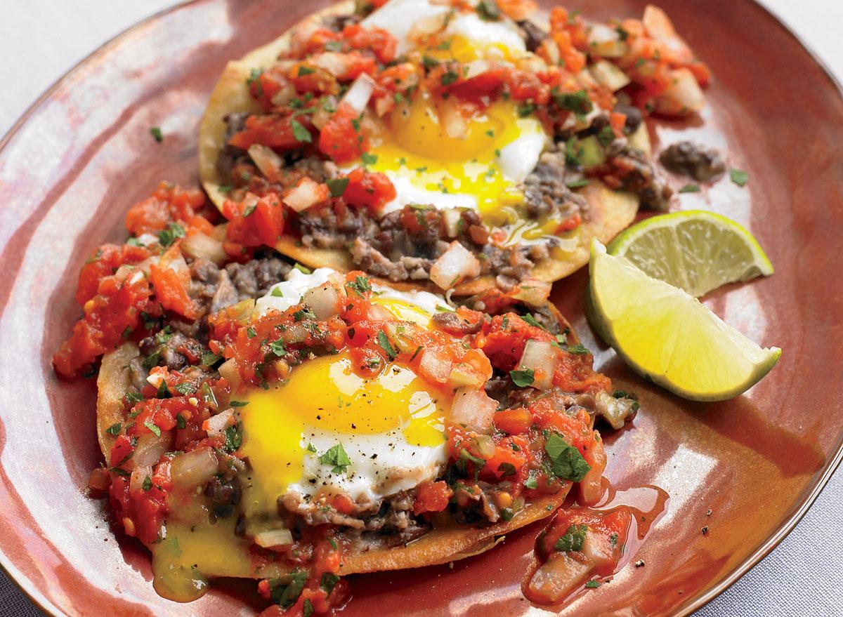 Low-calorie huevos rancheros