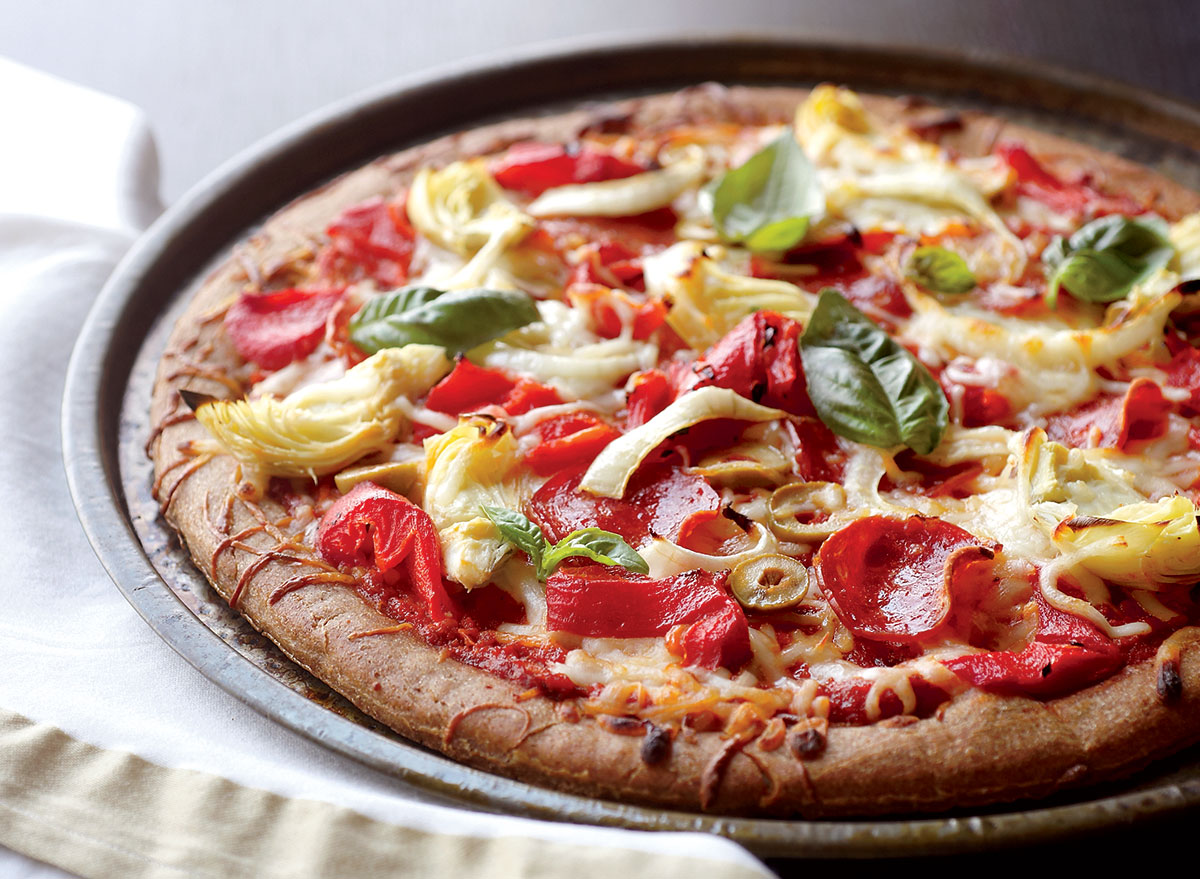 Low-calorie loaded pizza