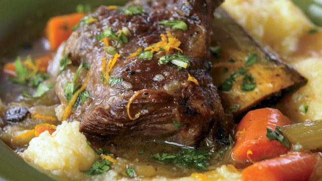 Low-calorie short ribs braised in guinness