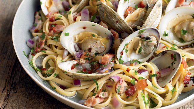 Paleo linguine with clams