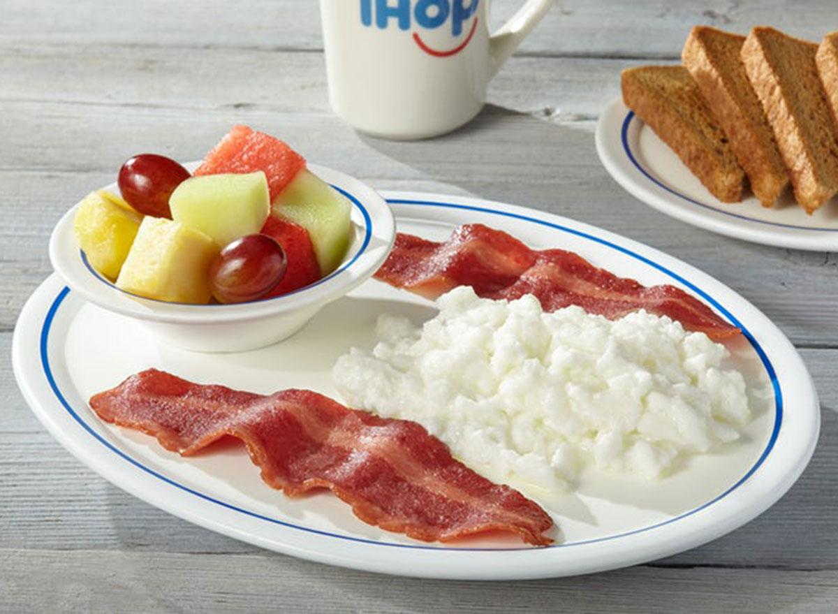 Simple fit 2 egg breakfast