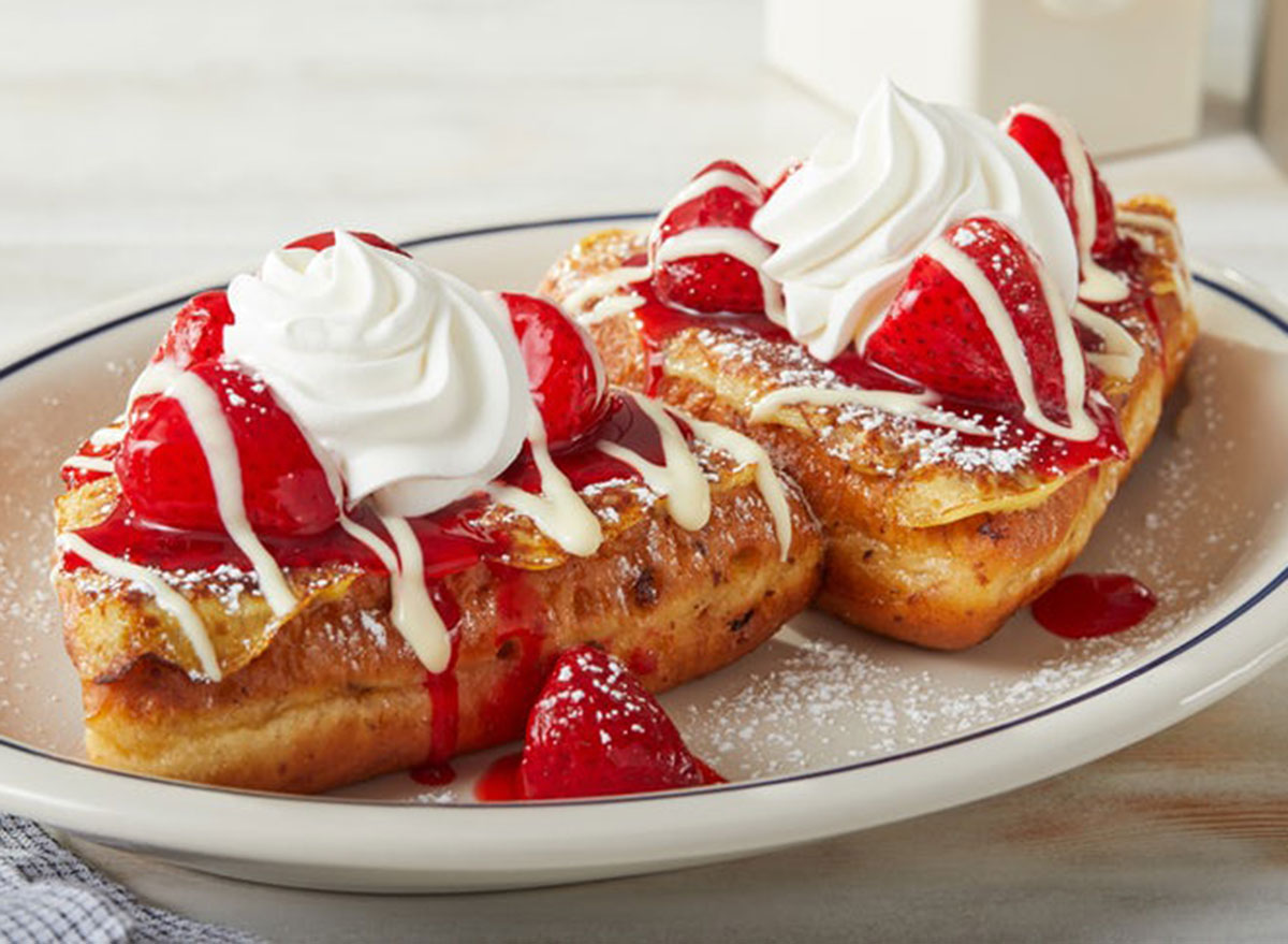 Stuffed french toast fruit topping