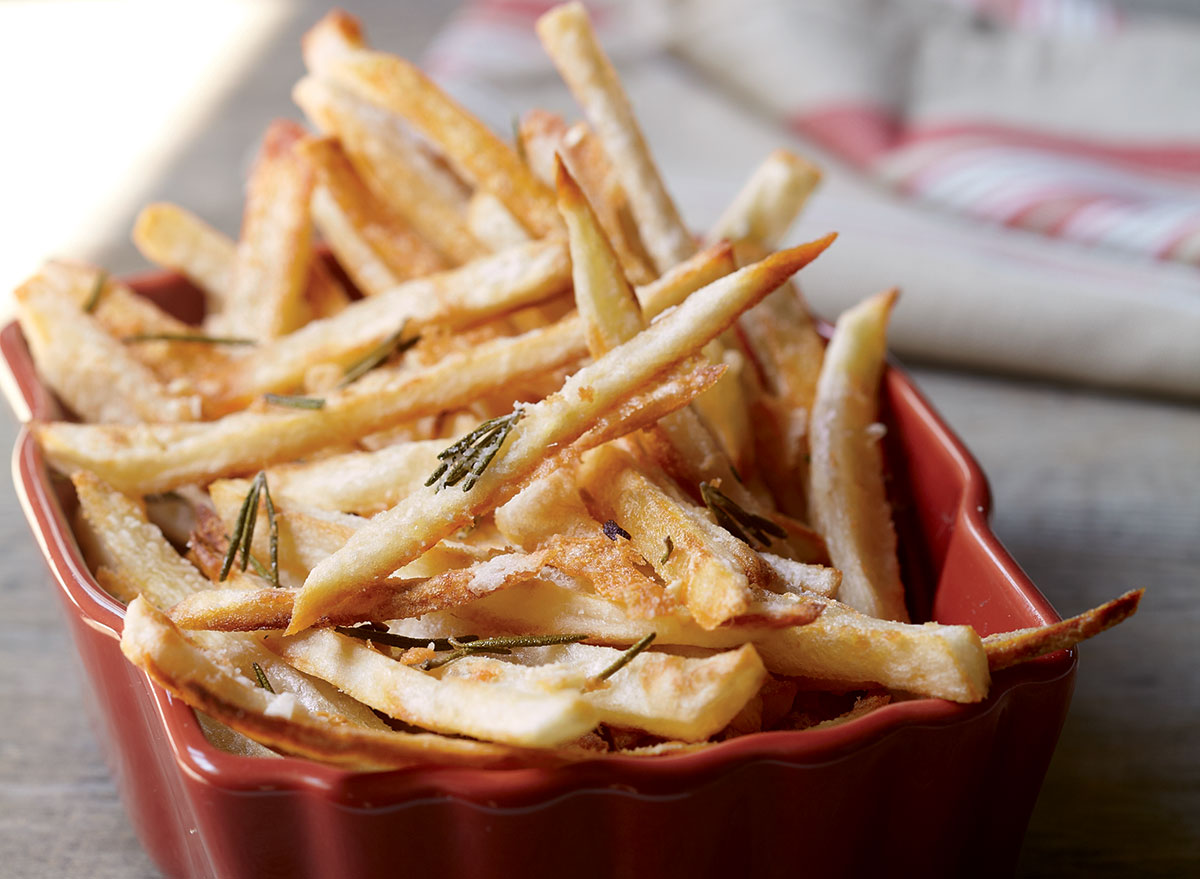 Vegan crispy oven-baked fries