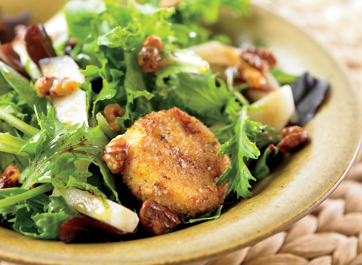 Vegetarian warm goat cheese salad