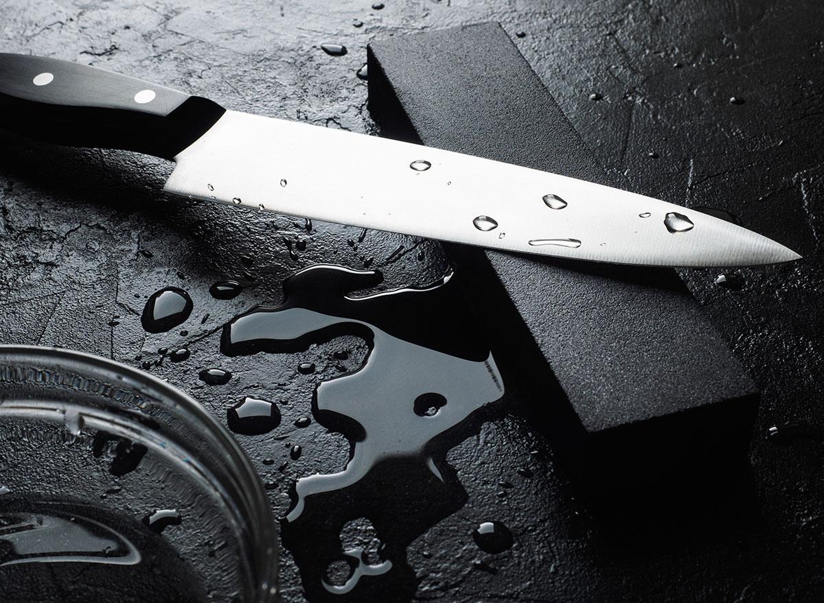 Wet knife
