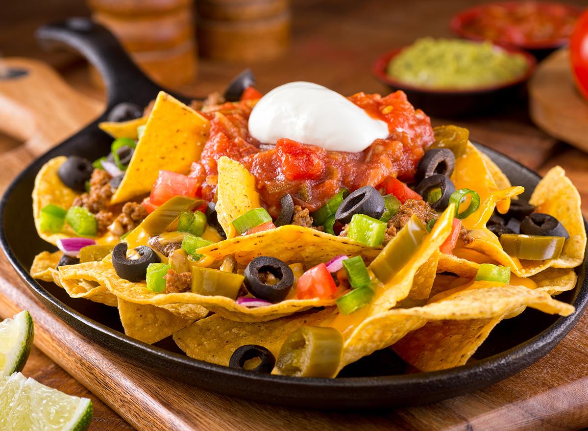 nachos-in-cast-iron-skillet