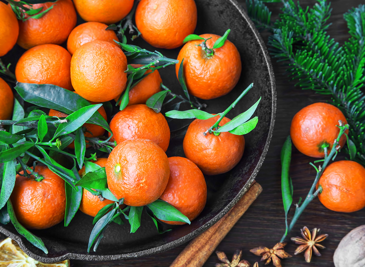 clementines in a bowl