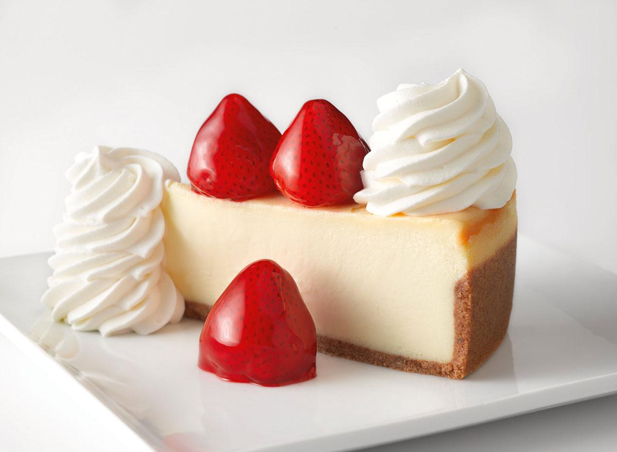 cheesecake factory fresh strawberries cheesecake slice