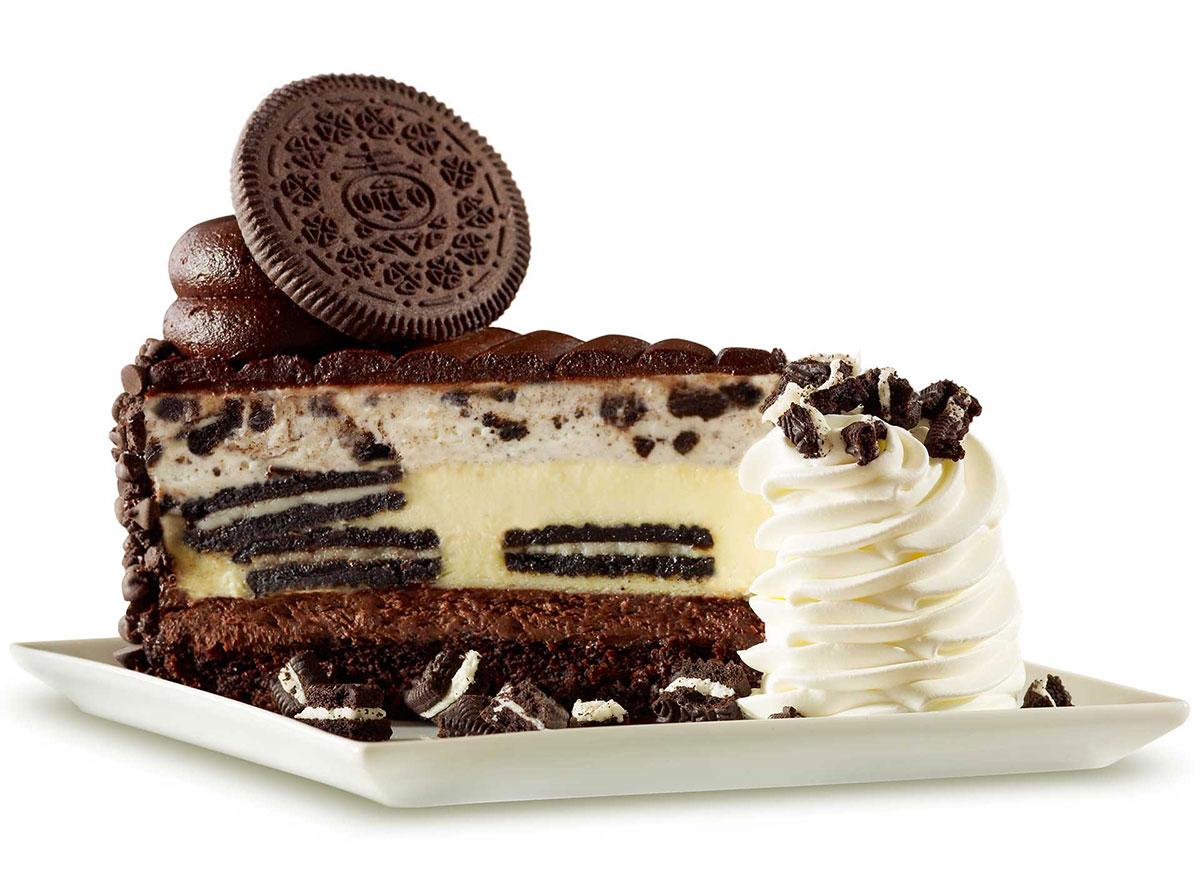 cheesecake factory oreo dream extreme cheesecake slice