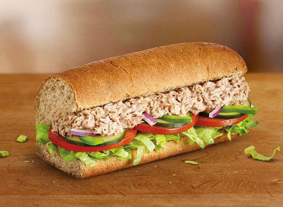 Subway tuna sub - subway nutrition