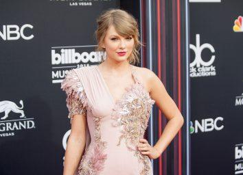 Taylor swift 2018 red carpet
