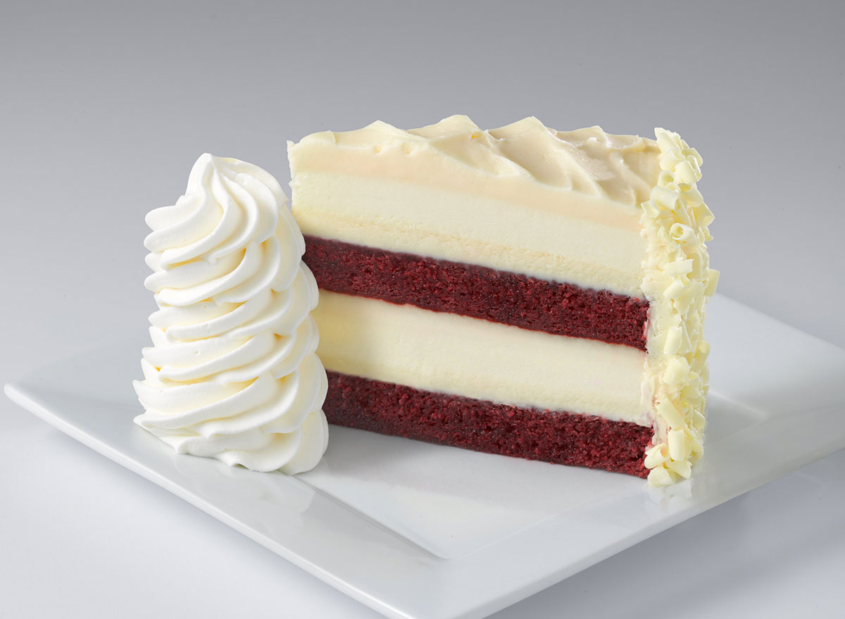 cheesecake factory ultimate red velvet cheesecake slice