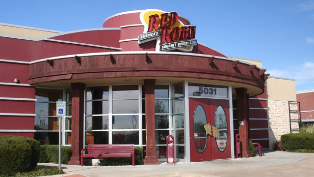 outside of a red robin restaurant