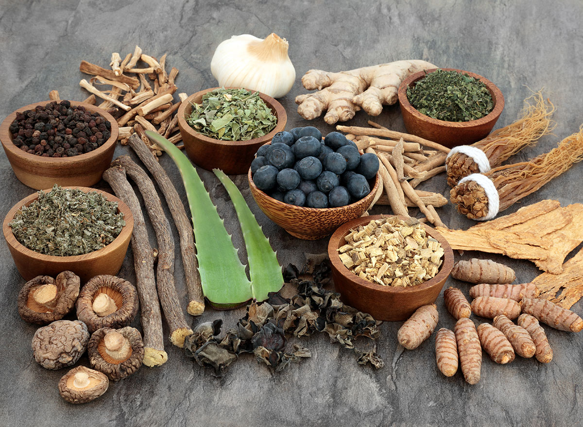 adaptogens in bowls in a group