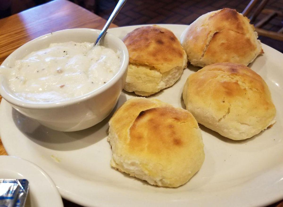 cracker barrel buttermilk biscuits