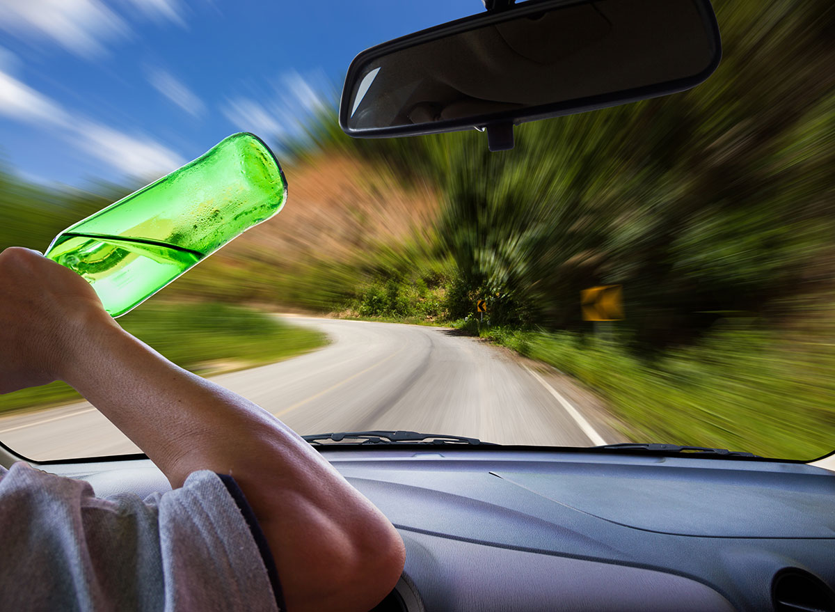drinking vision driving - how does alcohol affect the brain