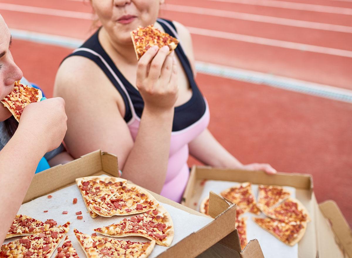 eat junk food pizza after workout