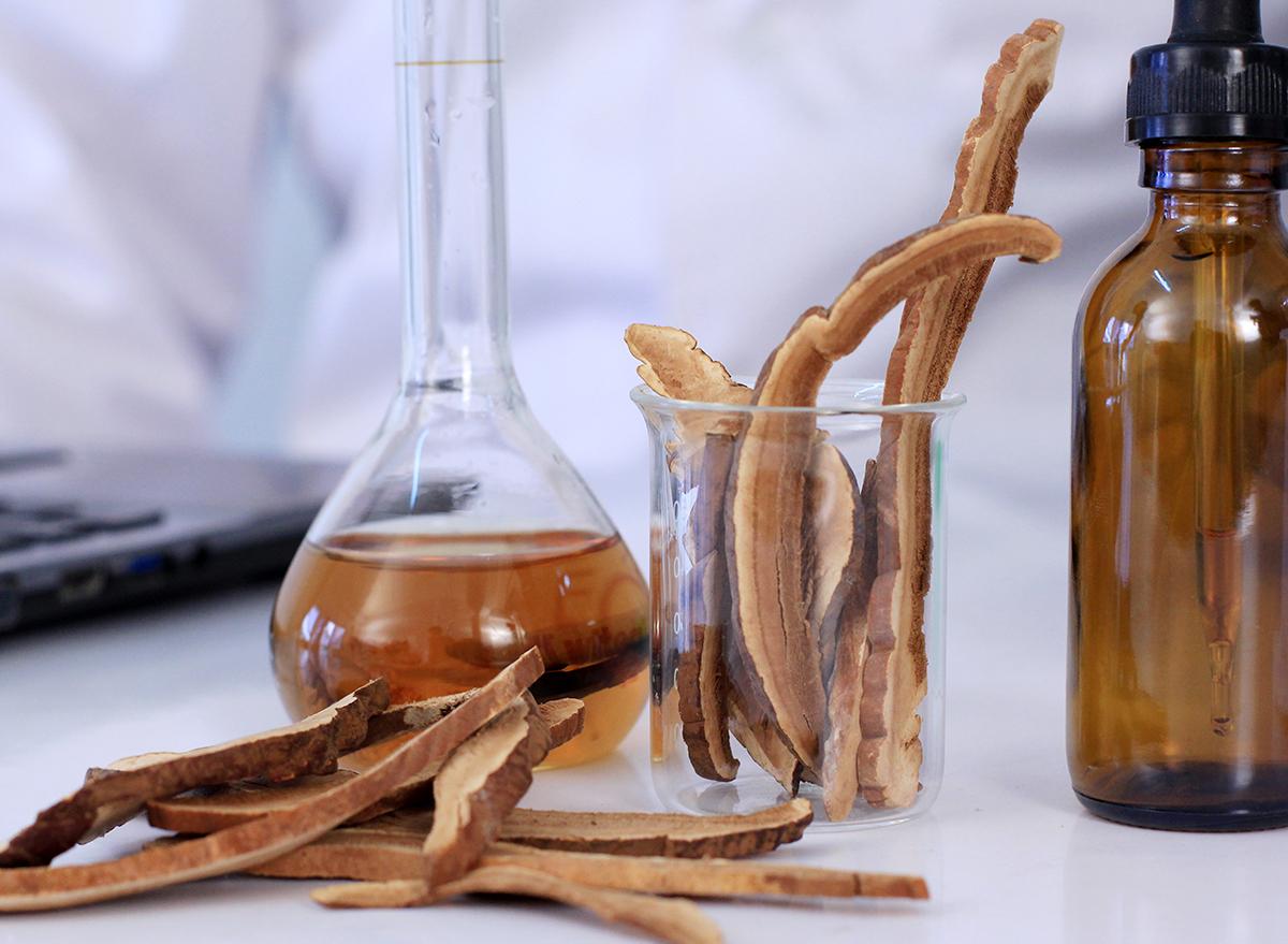 making mushroom oils