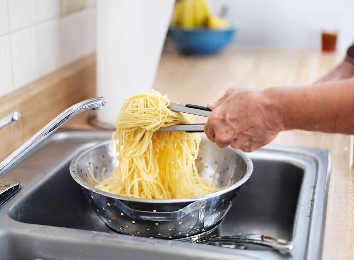 straining pasta in sink - always hungry reasons