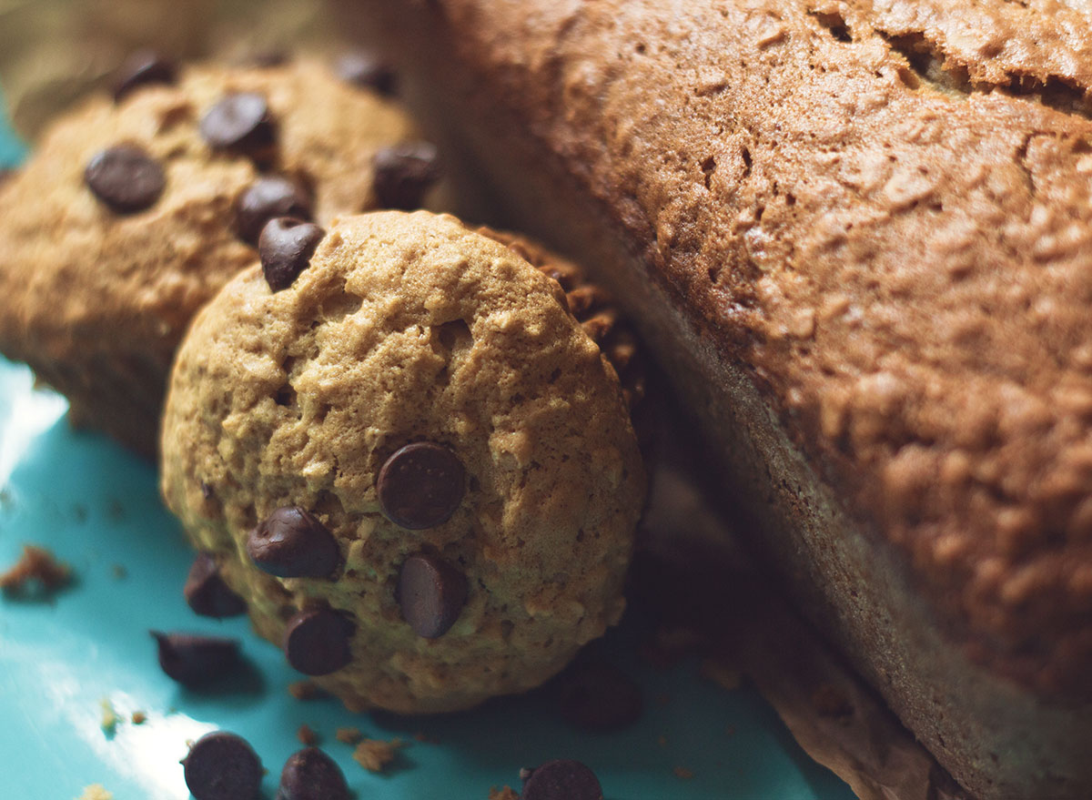chocolate chip muffins with bread