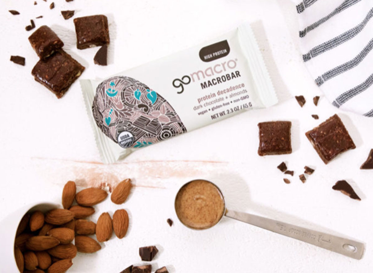 gomacro macrobar protein decadence dark chocolate almond