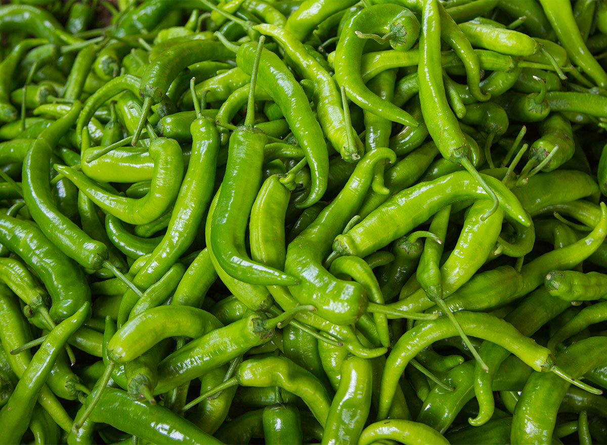 pile of green chilli peppers