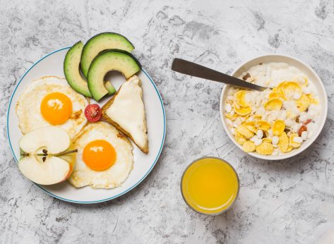 Carb cycling example high carb breakfast cereal juice low carb eggs avocado apple toast