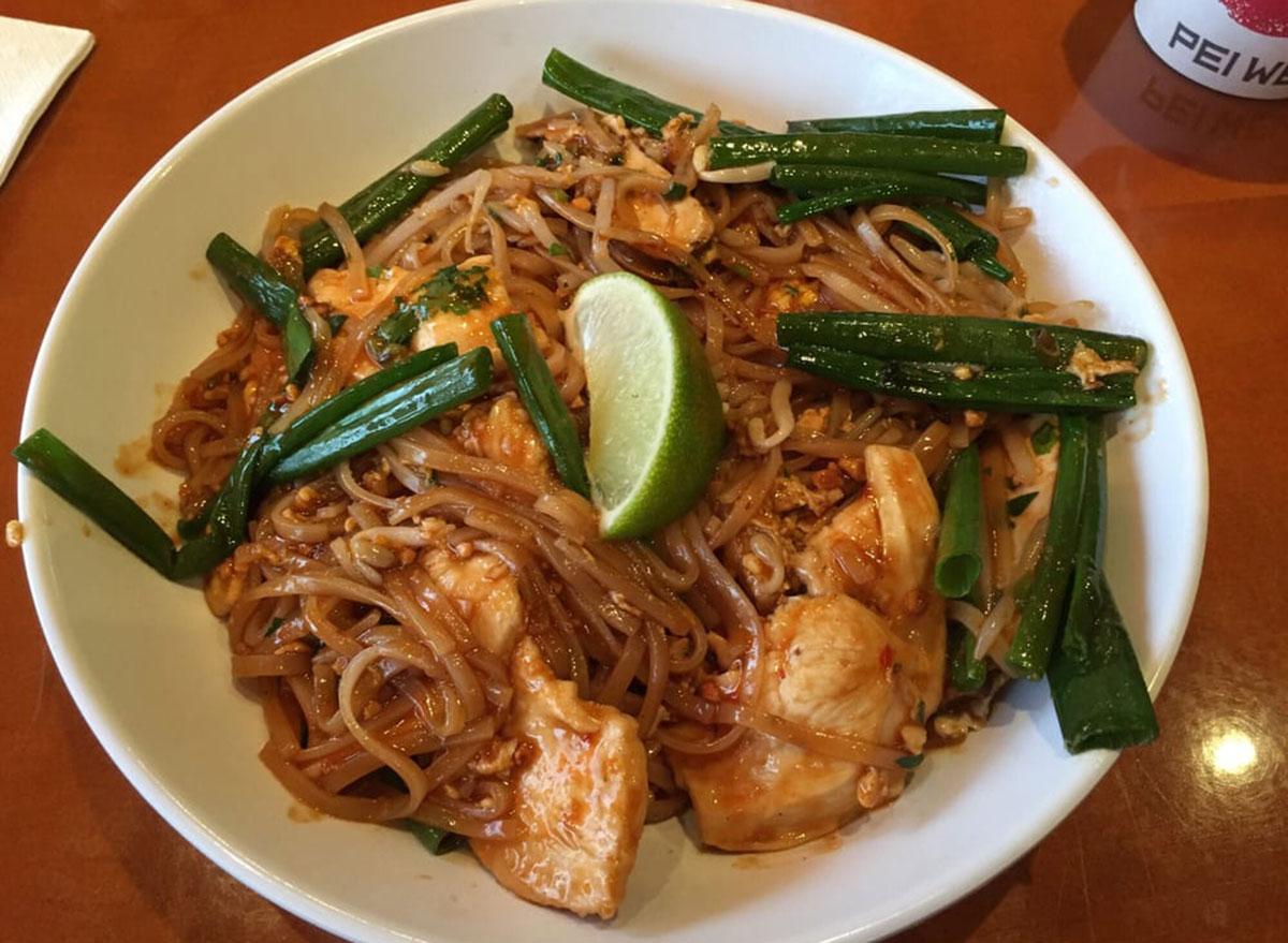 pei wei asian diner chicken pad thai
