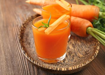 carrot juice glass carrot garnish